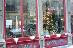 Old Montreal Christmas store -photo