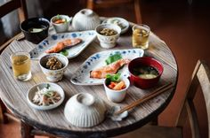 4,376 個讚,54 則留言 - Instagram 上的 ひ と み(@amehtm):「 秋鮭が美味しい( ˊᵕˋ )♡ ・ ・ ひろちゃんレシピのゴーヤの佃煮。 この夏よくお世話になりました。 ありがとう♡ ・ ・ ・ 」