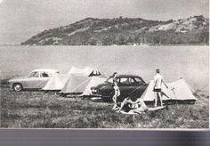 Szántód hatvanas évek, talán... (Szemben a beépítetlen Tihany!) Micsoda varázslatos, természetközeli idők, de már ott az autó és gondolom a táskarádió! Budapest Hungary, Marvel, Camping, History, Nice, Rice, Campsite, Historia, Nice France