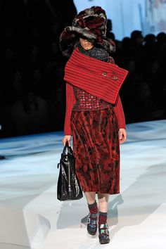 Eccentric nanny chic. Jamiroquai Falls Down The Rabbit Hole: Marc Jacobs' Wacky Fall '12 Show