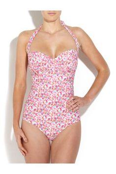 Floral swimsuit - New Look  (preferisco i bikini, pancia e schiena li voglio abbronzati col segno del due pezzi, ma il costume intero è bello da vedere, se fatto bene e del modello adatto al fisico che lo porta)
