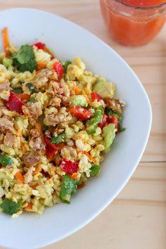Ensalada de Mote - El Sabor de lo Bueno Pasta Salad, Cobb Salad, Vegan Recipes, Cooking Recipes, Peruvian Recipes, Some Recipe, Fried Rice, Food Art, Food And Drink