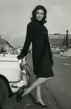 "auntiemaud: ""Diana Rigg at Elstree Studios. Emma Peel, The Avengers, British Actresses, Actors & Actresses, Diana Riggs, Ali Mcgraw, Dame Diana Rigg, Joanna Lumley, Beautiful Actresses"