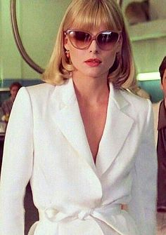 Michelle Pfeiffer as Elvira in the movie Scarface 80s Fashion, Love Fashion, Vintage Fashion, Elvira Scarface, Michelle Pfeiffer Scarface, Elvira Hancock, Dramatic Classic, Film Aesthetic, Vintage Glam