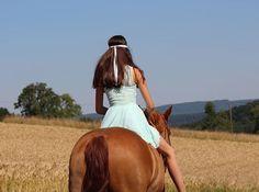 Instagram media by my_flyinghorse - ❤ • #horse #equestrian #equestriangirl #liberty #dressage #freedressage #free #dressur #freiheit #like4like #follow4follow #l4l #f4f #horse #horseride #horselove #pfw_post #pfh_post #pspwtd_pferd #yoho_post #pt_abm #picoftheday