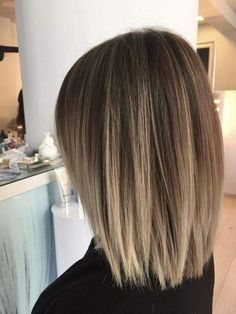 Stunning Winter Hair Color, Whether you would like an icy blonde tone, a fashionable brunette hue or a cute shade from reds for winter, you've got an honest cho Medium Bob Hairstyles, Winter Hairstyles, Straight Hairstyles, Bob Haircuts, Short To Medium Haircuts, Straight Bob Haircut, Hair Color For Women, Modern Haircuts, Haircut And Color