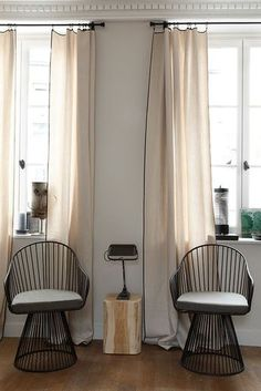 Fall Fashions 357543657907257767 - Le tombé de rideaux parfait – Frenchyfancy Source by emmamiro Poltrona Design, Custom Drapes, Curtains With Blinds, Cream Curtains, Linen Curtains, Drapery, Window Styles, Window Dressings, Curtain Designs