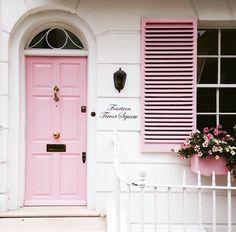 Pretty places to go | Pink door | 14 Trevor Square Knightsbridge