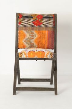 i've got four wooden folding chairs screaming to be cushioned and covered in fun fabric
