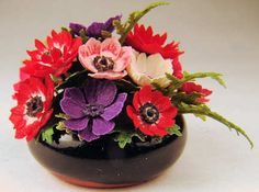 Ed Simms, IGMA fellow - Flower arrangement - anemones, ferns