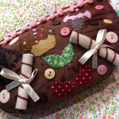 """Necessaire """"Lola"""" com doces e cheirinho de baunilha! Chria!  www.chria.com.br"""