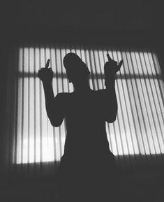 Đọc Truyện avatar đôi ^^ - special [part - Baka-sama ! Shadow Photography, Photography Poses For Men, Dark Photography, Demon Aesthetic, Aesthetic Photo, Aesthetic Pictures, Shadow Photos, Dark Pictures, Black Wallpaper