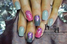Summer uv gel nail design in grey and pink Grey Nail Designs, Gel Nail Art Designs, Nail Design Video, Glitter Gel Nails, Uv Gel Nails, Matte Nails, Spring Nails, Summer Nails, Gel Nails French