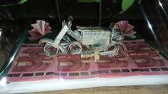 Motorrad aus 20x 5€ Scheinen