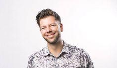 Helsingin Sanomat: Ornamo-palkinto palvelumuotoilija Mikko Koivistolle Button Down Shirt, Men Casual, Mens Tops, Shirts, Fashion, Moda, Dress Shirt, Fashion Styles, Dress Shirts