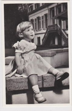 VINTAGE POSTCARD DUTCH ROYALTY PRINCESS MARIJKE MARIA CHRISTINA NETHERLANDS in Collectibles, Postcards, Royalty