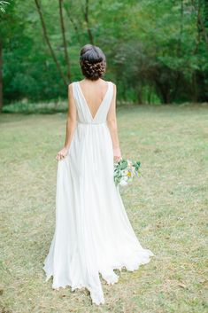 The Black Friday Wedding Dress Shopping Tips You Need to Know   Brides