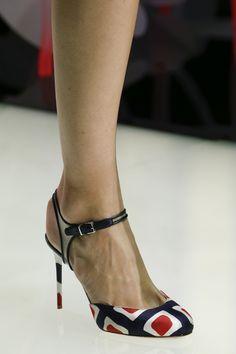 Giorgio Armani Spring 2016 Ready-to-Wear Accessories Photos - Vogue#157#157#157 #heels #highheels