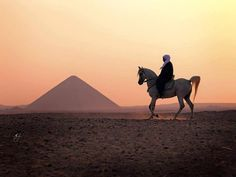 Giza Pyramids - Egypt Classic Tours http://www.maydoumtravel.com/Egypt-Travel-and-Tour-Packages/4/0/