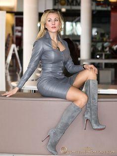 718f072348dc1a671967ea0d4c1c2185--hot-high-heels-sexy-boots.jpg (736×981) #highheelbootsskirt #highheelbootslatex