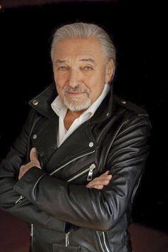 Karel Gott, Leather Jacket, Celebrities, Jackets, Facebook, Fashion, Heart, Studded Leather Jacket, Down Jackets