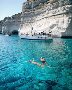 Milos island, Cyclades, Greece / Sailing with friends Places To Travel, Places To See, Travel Destinations, Greece Destinations, Dream Vacations, Vacation Spots, Vacation Wear, Aloita Resort, Voyage Europe