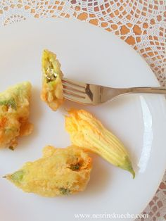 NESRiN`S KÜCHE: Peynirli Otlu Kabak Çiçeği Kızartması / Gefüllte u...
