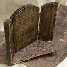 Triptic 'Home'- handmade with love by Gemini Atelier Bookends, Home Decor, Etchings, Atelier, Homemade Home Decor, Interior Design, Home Interiors, Decoration Home, Home Decoration