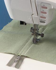 Cómo coser un cierre en una falda
