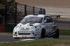 Il CINQUONE di Romeo Ferraris sempre protagonista, anche alla 6 ore di Vallelunga. http://www.infomotori.com/auto/2014/11/14/la-fiat-500-abarth-cinquone-romeo-ferraris-da-360/