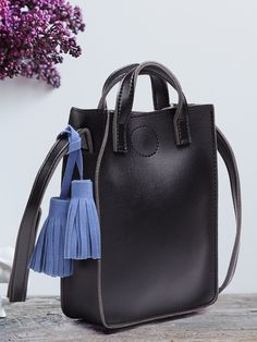 Black Fashion Shoulder Bag With Blue Tassel