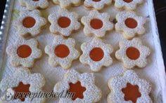 Linzer recept fotóval Gingerbread Cookies, Desserts, Food, Gingerbread Cupcakes, Tailgate Desserts, Deserts, Essen, Postres, Meals
