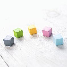 Magnet Holzkugeln in Pastellfarben von haftbar, magnete und mehr auf DaWanda.com