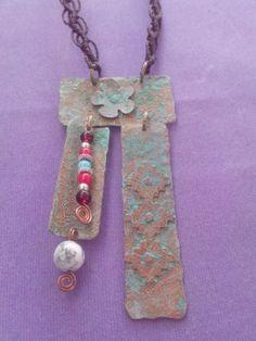 Collar cobre remachado con patina turquesa