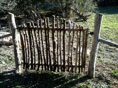 DIY Garden Fence Ideas to Keep Your Plants I have enough twigs, want to make a little gate for the yard.I have enough twigs, want to make a little gate for the yard. Diy Garden Fence, Backyard Fences, Garden Trellis, Garden Art, Garden Gates And Fencing, Garden Beds, Garden Drawing, Herbs Garden, Fruit Garden