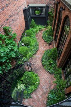95 Fantastic Side Yard Garden Pathway Landscaping Ideas - All About Gardens Design Patio, Home Garden Design, Small Garden Design, Courtyard Design, Courtyard Ideas, Home And Garden, House Design, Fence Design, Dream Garden