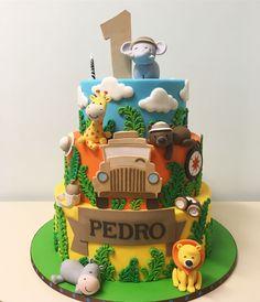 Bom dia com bolo fofo de Safari que fizemos para a querida Birthday Cake Models, Jungle Birthday Cakes, Themed Birthday Cakes, Themed Cakes, Safari Theme Party, Safari Birthday Party, 1st Boy Birthday, Animal Birthday, Bolo Zoo