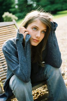 melanie laurent I love her hair color! Melanie Laurent, Audrey Tautou, Lea Seydoux, Beautiful People, Beautiful Women, Pretty People, Photo Awards, French Beauty, Timeless Beauty