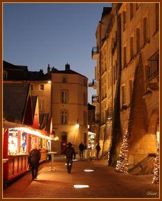 Le marché de Noël place Saint Jacques, Metz, France,. par Daniel MARTIN sur L'Internaute
