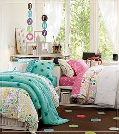 Chic And Fashionable Teenage Bedroom Decor Idea With Sweat Bedding Set – House Design Ideas Girls Bedroom Furniture, Teen Furniture, Teen Bedroom, Dream Bedroom, Bedroom Decor, Teen Rooms, Sister Bedroom, Little Girl Rooms, Cute Rooms For Girls