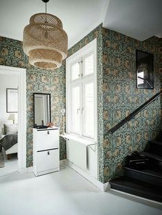 [Those William Morris wallpapers have aged remarkably well. They are true classics. William Morris Tapet, William Morris Wallpaper, Morris Wallpapers, Tudor House, Maison Tudor, Interior And Exterior, Interior Design, Decor Inspiration, Hallway Decorating