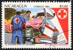NICARAGUA - CIRCA 1983: Un sello impreso en NICARAGUA muestra de Transporte de los pacientes, de la serie de la Cruz Roja, alrededor del año 1983 Foto de archivo - 14145159