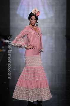 Fotografías Moda Flamenca - Simof 2014 - Hermanas Serrano 'Sueños' Simof 2014 - Foto 15 High Fashion, Fashion Show, Womens Fashion, Flamenco Costume, Flamenco Dresses, Spanish Dress, Race Wear, Spanish Fashion, African Women