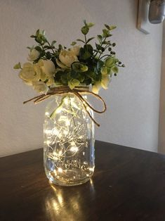 Jar Centerpiece Wedding, Wedding Table Decorations, Bridal Shower Decorations, Decor Wedding, Wedding Ideas, Lighted Centerpieces, Wedding Mason Jars, Centerpiece Ideas, Flower Centerpieces