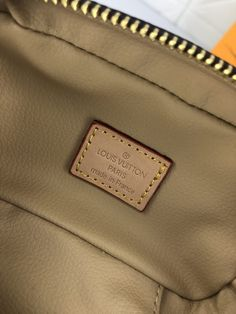NICE VANITY MAKE UP (8) Lv Tote, Beauty Essentials, Monogram Canvas, Cowhide Leather, Dust Bag, Vanity, Make Up, Louis Vuitton, Nice