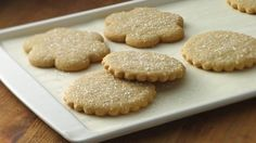 gluten free sugar cookies can-t-wait-to-make-i-mean-eat Homemade Sugar Cookies, Sugar Cookie Recipe Easy, Gluten Free Sugar Cookies, Gluten Free Sweets, Gluten Free Baking, Gluten Free Recipes, Cookie Recipes, Dessert Recipes, Gf Recipes