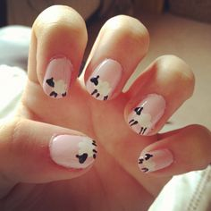 I wonder if Sky Knowles can do this in time for the spinning retreat. Nail art -- sheep!