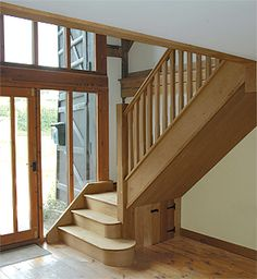 Inventive Staircase Design Tips for the Home – Voyage Afield Oak Stairs, Wooden Stairs, House Stairs, Wooden Doors, New Staircase, Modern Staircase, Staircase Design, Staircase Ideas, Hallway Ideas