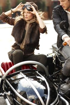 Girl in sidecar Just Girly Things, Glamorous Chic Life, Harley Davidson, Ralph Lauren Style, Ex Machina, Cool Style, My Style, Glamour, Biker Girl