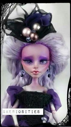 Monster high custom ghoulia yelps repaint by skeriosities ooak